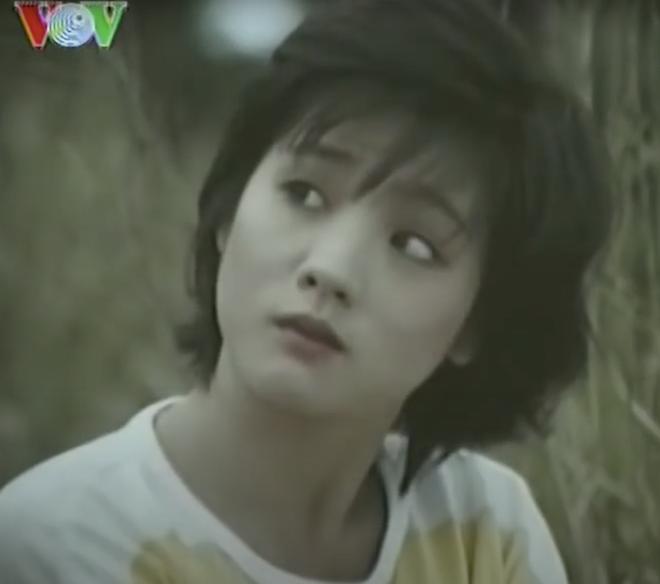 """10 quốc bảo nhan sắc màn ảnh Việt thập niên 90: Xuất hiện """"thần tiên tỷ tỷ"""" đẹp chả kém gì Lưu Diệc Phi - Ảnh 34."""