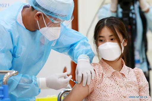 Quyết định bước ngoặt ở nước tiêm chủng mạnh bằng vaccine Sinopharm; Tin xấu về sức khỏe nhân vật thân cận hàng đầu với Putin - Ảnh 1.