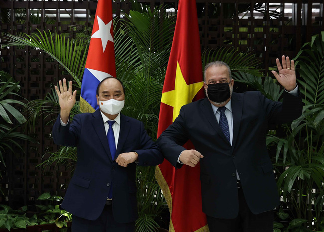 Tiêm chủng cực khủng, láng giềng Việt Nam bất ngờ phá kỷ lục buồn; Tin xấu về sức khỏe nhân vật thân cận hàng đầu với Putin - Ảnh 1.