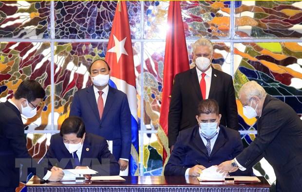 Tin vui từ chuyến công du của Chủ tịch nước: Cuba tặng Việt Nam vaccine Abdala; Báo cáo sốc về ổ dịch mới ở TQ - Ảnh 1.