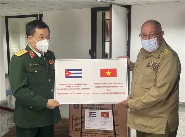 NÓNG: Cuba tặng Việt Nam món quà vaccine Abdala quý báu, về ngay cùng đoàn Chủ tịch nước; Báo cáo sốc về ổ dịch của TQ - Ảnh 1.