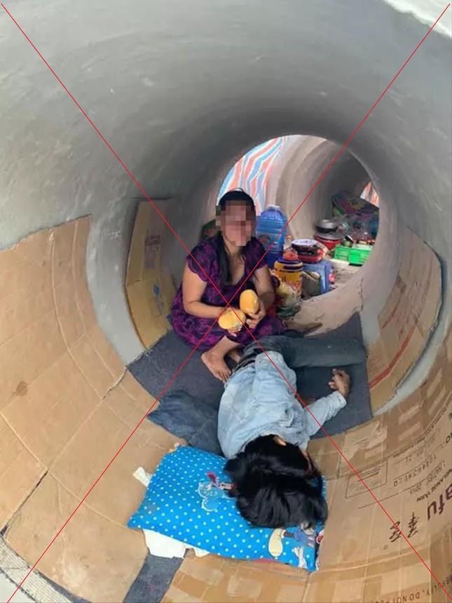 Sự thật câu chuyện sống trong cống giữa Sài Gòn - Ảnh 1.