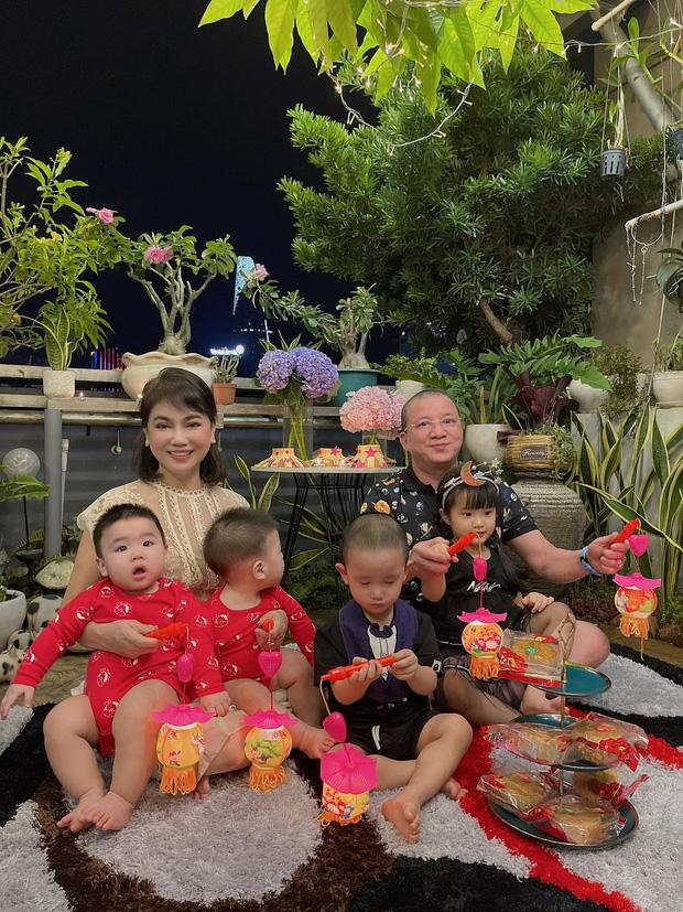Sau tin đồn ly hôn, Diệp Lâm Anh hé lộ quan hệ với nhà chồng chỉ qua 3 bức ảnh Trung thu, spotlight đổ dồn vào visual mẹ chồng hào môn - Ảnh 2.