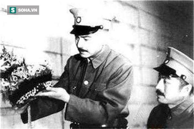Càn quét lăng mộ Càn Long, Tôn Điện Anh vơ vét sạch mọi báu vật nhưng vứt lại 1 thứ, hơn 80 năm sau được định giá 460 tỉ đồng - Ảnh 2.