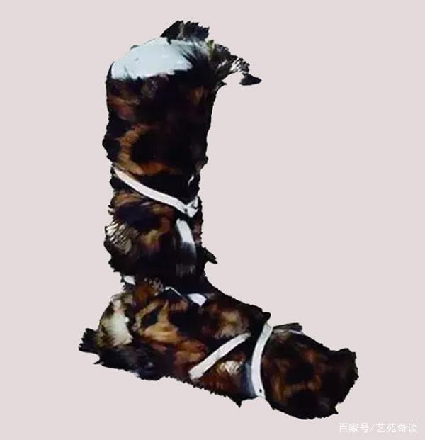 Phóng to 30 lần bộ tranh 700 tuổi, dân mạng Trung Quốc ngỡ ngàng vì một món đồ hiện đại: Thời nay nhà nào cũng có! - Ảnh 5.