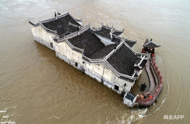 Ngôi chùa đứng vững giữa dòng sông dài nhất Trung Quốc, bất chấp đại hồng thủy suốt 700 năm: Bí mật gì bên dưới mặt nước? - Ảnh 5.