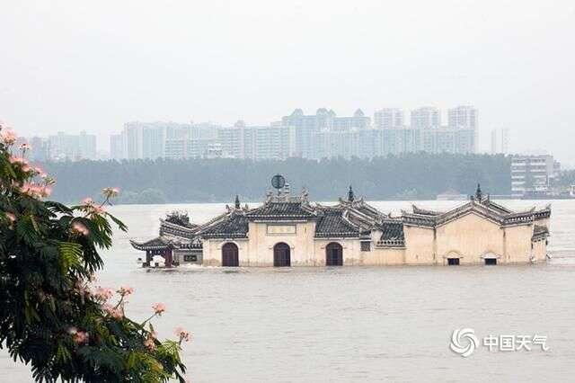 Ngôi chùa đứng vững giữa dòng sông dài nhất Trung Quốc, bất chấp đại hồng thủy suốt 700 năm: Bí mật gì bên dưới mặt nước? - Ảnh 7.