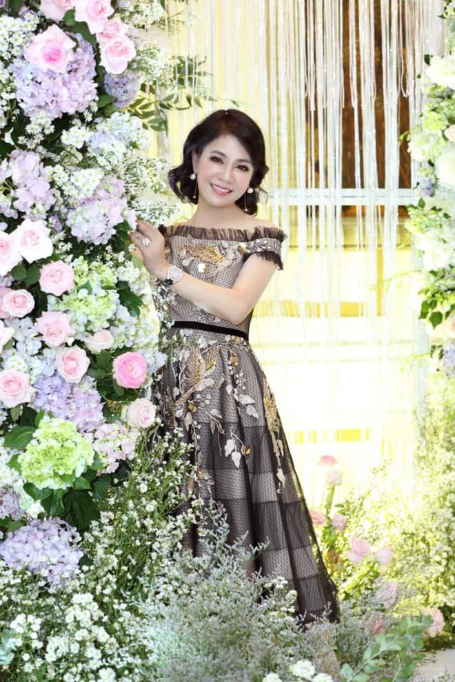 Sau tin đồn ly hôn, Diệp Lâm Anh hé lộ quan hệ với nhà chồng chỉ qua 3 bức ảnh Trung thu, spotlight đổ dồn vào visual mẹ chồng hào môn - Ảnh 6.