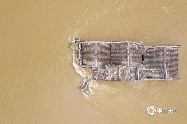 Ngôi chùa đứng vững giữa dòng sông dài nhất Trung Quốc, bất chấp đại hồng thủy suốt 700 năm: Bí mật gì bên dưới mặt nước? - Ảnh 8.