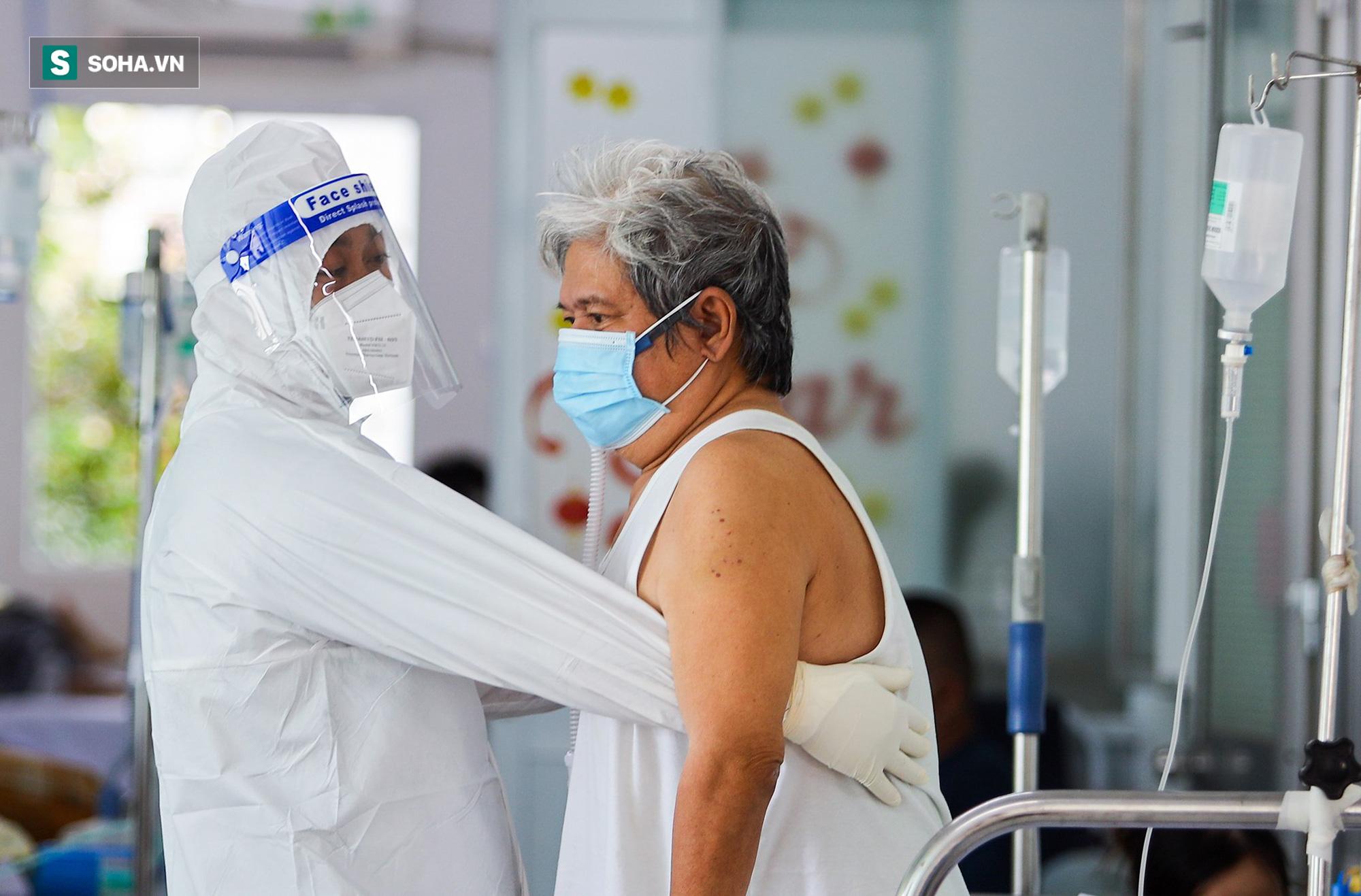 Lớp tập cai máy thở, tập đi và sự hồi phục kỳ diệu của những bệnh nhân mắc Covid-19 nặng - Ảnh 8.