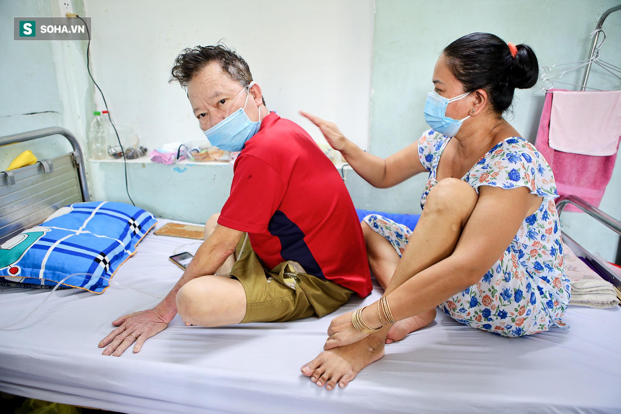 Lớp tập cai máy thở, tập đi và sự hồi phục kỳ diệu của những bệnh nhân mắc Covid-19 nặng - Ảnh 9.