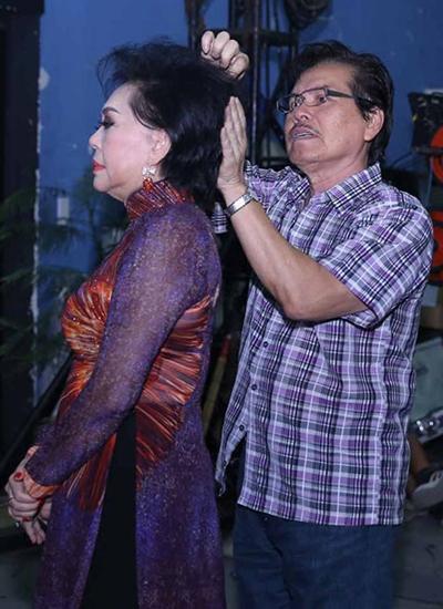 Chồng danh ca Giao Linh vừa qua đời: Theo đuổi suốt 20 năm và bí quyết giúp vợ sống vui vẻ với 6 con riêng - Ảnh 3.