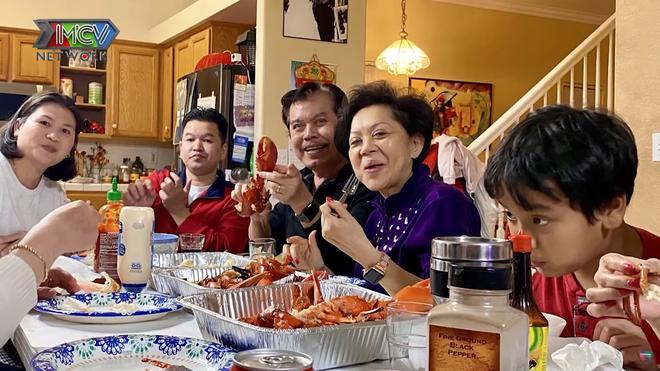 Chồng danh ca Giao Linh vừa qua đời: Theo đuổi suốt 20 năm và bí quyết giúp vợ sống vui vẻ với 6 con riêng - Ảnh 5.