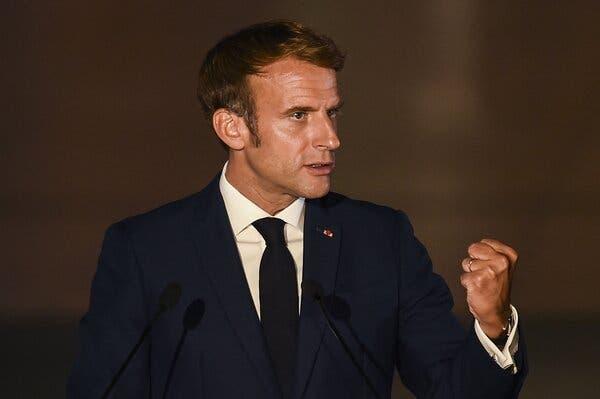 Tàu ngầm Pháp bị lật kèo: Nga nở nụ cười đắc ý - Thế cờ hiểm của TT Putin đã phơi bày! - Ảnh 2.