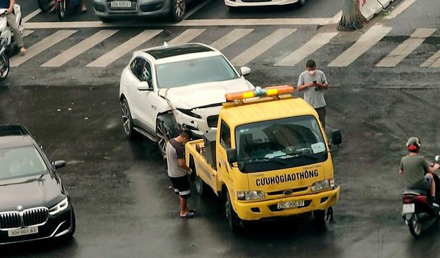 Mercedes-Benz GLC va chạm Jaguar F-Pace ngày thứ 2 nới lỏng giãn cách: 1 tấm hình mà thấy kha khá tiền - Ảnh 3.
