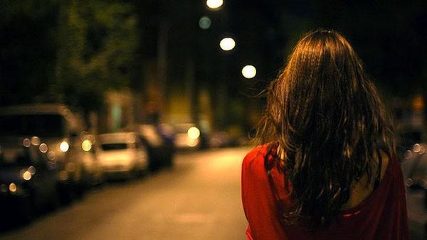 Đưa con gái đi học vô tình gặp lại vợ cũ, người đàn ông chết sững khi thấy người đi cùng đối phương - Ảnh 4.