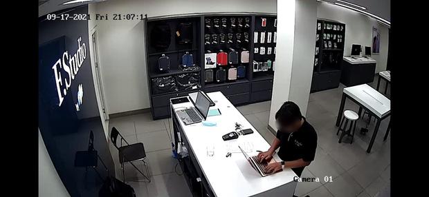 Xử lý khủng hoảng nhanh-gọn-lẹ như FPT Shop: Sa thải ngay nhân viên vi phạm, nạn nhân còn quay lại mua iPhone 13 - Ảnh 1.