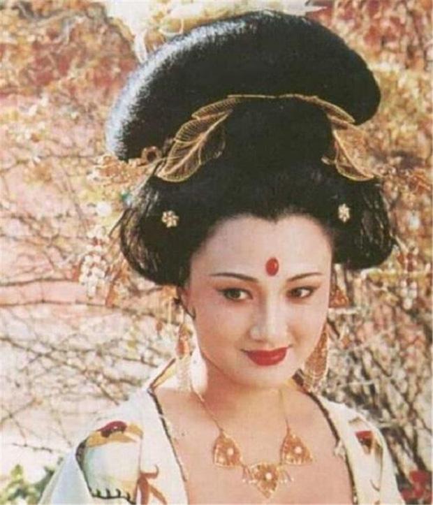 """Chuyên gia phục dựng hình ảnh thực tế của Dương quý phi, dân mạng cảm thán """"khó trách Hoàng đế từ bỏ giang sơn vì nàng"""" - Ảnh 8."""