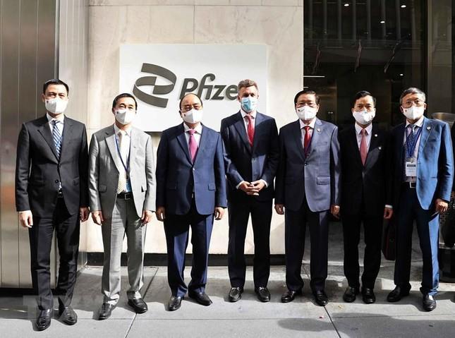 Tin vui cho Việt Nam: Pfizer hứa chắc nịch sau chuyến thăm của Chủ tịch nước - Ông Hun Sen lệnh khẩn cấp, Campuchia nguy hiểm - Ảnh 2.