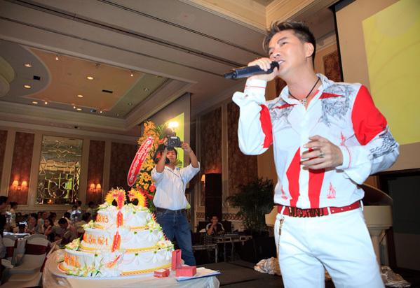 Đàm Vĩnh Hưng từng hát trong tiệc thôi nôi bé Hằng Hữu, 8 năm sau kiện bà Phương Hằng đúng ngày sinh nhật quý tử - Ảnh 5.