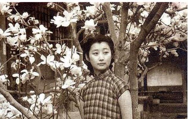 Nàng Cách Cách đẹp nhất thời Vãn Thanh, si mê Phổ Nghi 5 lần 7 lượt vào viện chăm sóc nhưng bị đuổi bằng 1 câu rất khó nghe - Ảnh 4.