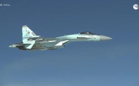 Su-35 Nga trấn áp hàng loạt chiến đấu cơ hiện đại nhất NATO - Cảnh báo nóng với Paris, khủng hoảng sẽ còn tiếp diễn - Ảnh 1.