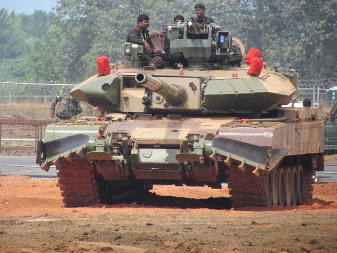 Ấn Độ ký hợp đồng mua xe tăng cực lớn: Bất ngờ loại xe được chọn và mức giá khủng khiếp - Ảnh 4.