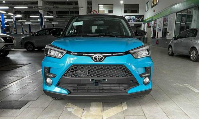 Toyota Raize đầu tiên về Việt Nam: Đại lý nhận cọc 20 triệu đồng, giá dự kiến 500 triệu đồng, đối thủ đi trước một bước của Kia Sonet - Ảnh 1.