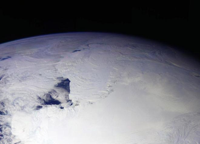 Lỗ thủng tầng ôzôn năm nay lớn hơn cả diện tích của Nam Cực - Ảnh 1.