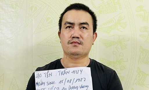 Vụ giết người man rợ, thi thể không nguyên vẹn ở quận 7: Nghi phạm Trần Huy nói hoang mang, không suy nghĩ gì - Ảnh 3.