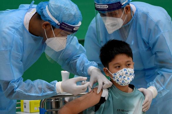 Hàng loạt tin vui: Nga vừa chốt kèo cấp cho Việt Nam lô vắc xin nhiều chưa từng thấy, nước châu Âu giàu có trao thêm gần 3 triệu liều - Ảnh 1.