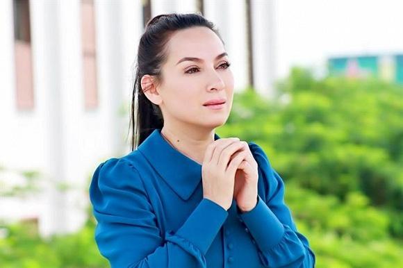 Con gái ruột và Hồ Văn Cường để tang Phi Nhung, người thân tại Mỹ đau đớn sao bỏ anh đi - Ảnh 1.