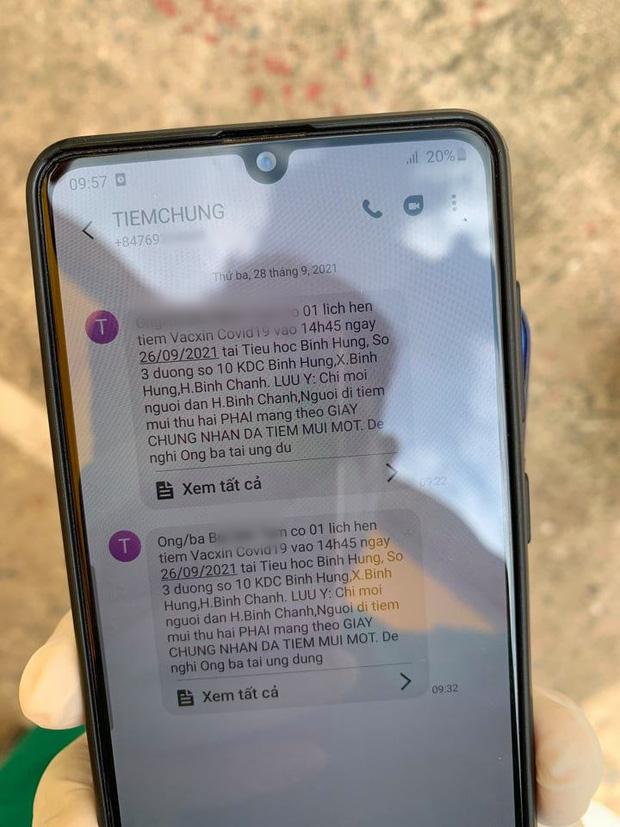 Phát hiện nội dung tin nhắn khả nghi, nhân viên y tế ở điểm tiêm báo công an, lộ bí mật của nhóm 11 người - Ảnh 2.