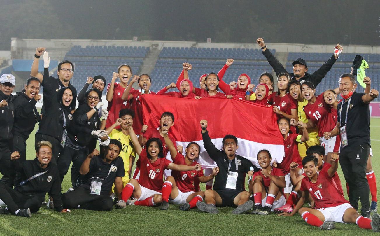 Báo Indonesia sung sướng vì đội nhà giành vé dự giải châu Á sau 32 năm nhờ kịch bản hi hữu