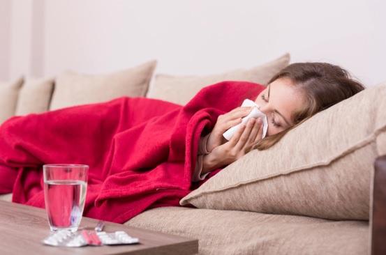 Cập nhật 20 triệu chứng COVID-19 phổ biến nhất lúc này: Chuyên gia nói không thể bỏ qua - Ảnh 1.