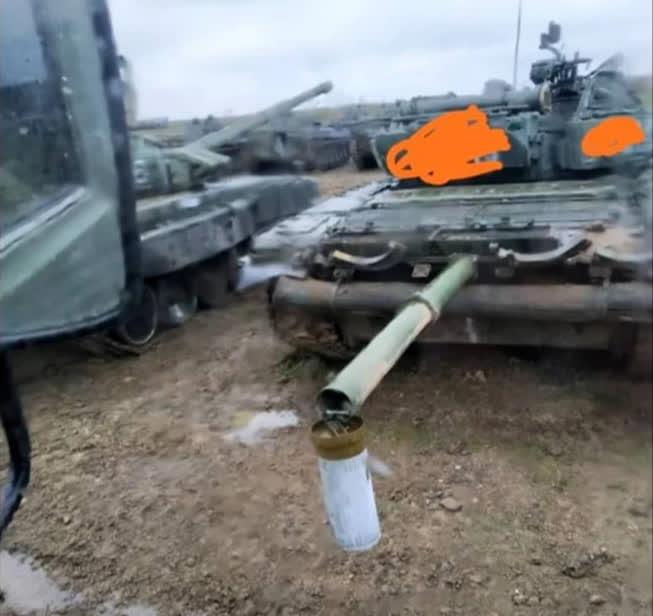 Quân Nga ở Donbass lấy gì để chống lại tên lửa chống tăng Javelin và Spike của Ukraine? - Ảnh 2.