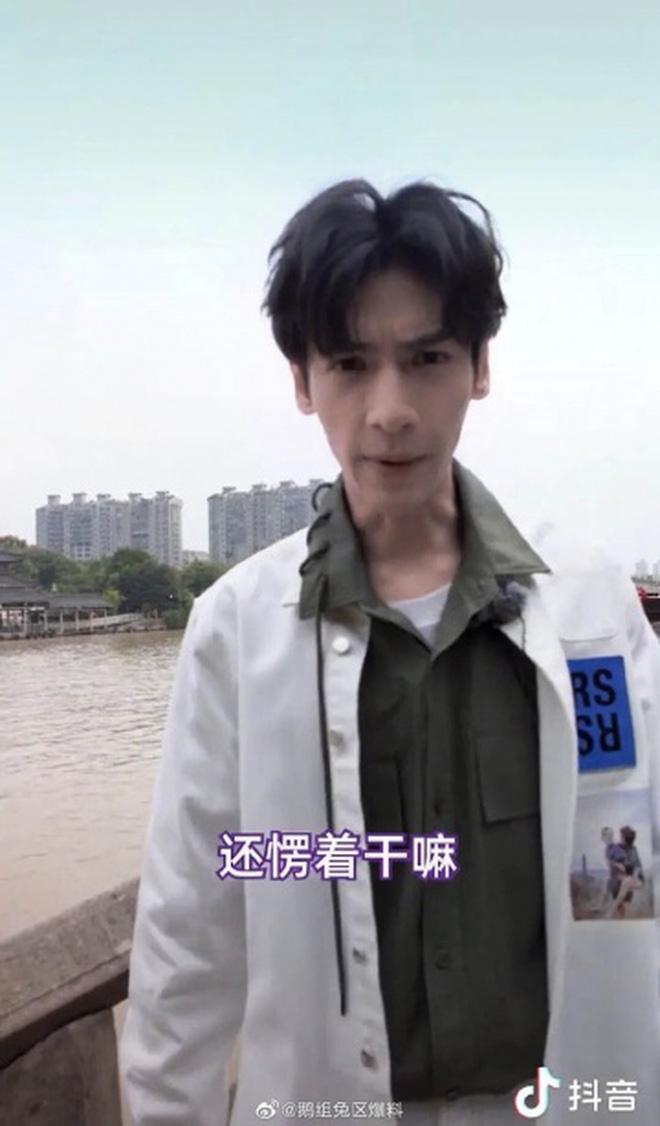1001 màn giảm cân gây sốc nhất Cbiz: Trịnh Sảng - Huỳnh Hiểu Minh gầy tọp như da bọc xương, kéo đến Tiểu Hà Dĩ Thâm mà tá hỏa - Ảnh 8.