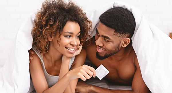 Quan hệ tình dục với người viêm gan B, cách nào để không lây nhiễm bệnh? - Ảnh 1.