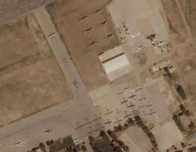 Hết máy bay lạ đến không quân ma nã đòn không kích vào Panjshir: Điều gì đang diễn ra? - Ảnh 1.