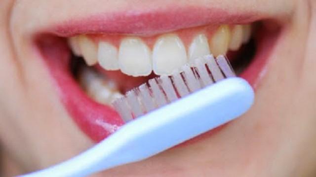 Các yếu tố nguy cơ gây ung thư miệng - Ảnh 2.