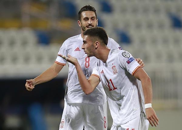 Kosovo 0-2 Tây Ban Nha: Niềm vui nhân đôi - Ảnh 1.