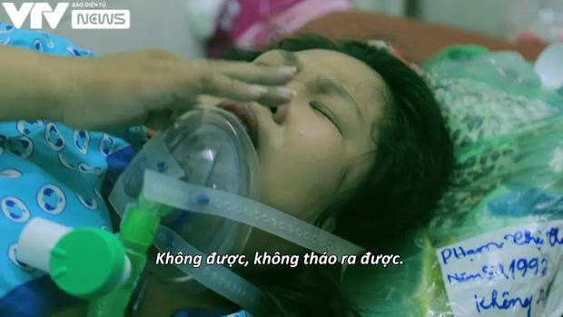 """Ê-kíp VTV làm nên phóng sự đầy ám ảnh """"Ranh giới"""": 21 ngày bám trụ tại bệnh viện, chứng kiến khoảnh khắc sinh ly tử biệt đau xé lòng - Ảnh 1."""