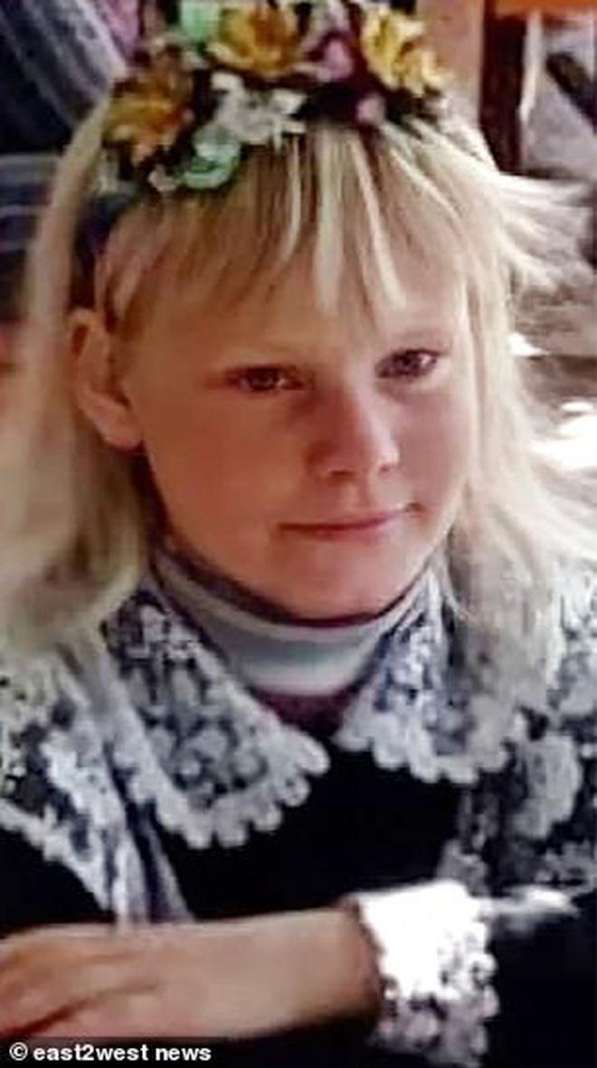 2 bé gái 10 tuổi bị cưỡng hiếp rồi sát hại tại ngôi nhà hoang, khoảnh khắc cuối đứng cạnh kẻ ác nhân được tiết lộ gây ám ảnh - Ảnh 2.