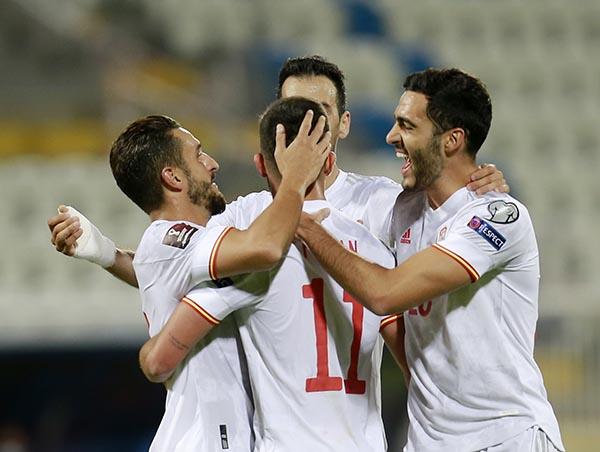 Kosovo 0-2 Tây Ban Nha: Niềm vui nhân đôi - Ảnh 2.