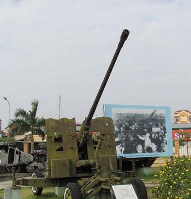 Pháo phòng không 57 mm được radar K8-60 chỉ thị mục tiêu