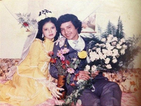 Ảnh cưới siêu độc nhuốm màu thời gian của các nghệ sĩ hài gạo cội