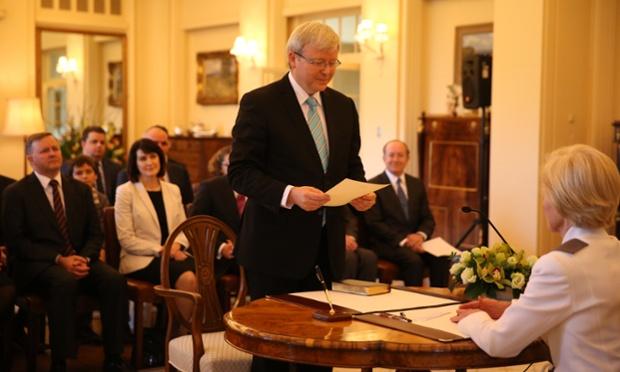 Ông Kevin Rudd tuyên thệ nhậm chức Thủ tướng Australia thay cho bà Julia Gillard tại tòa nhà quốc hội ở Canberra.