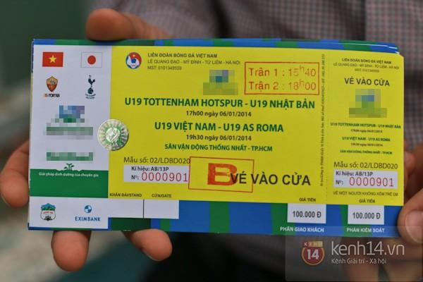 """""""Phe vé"""" xuất hiện trong ngày đầu bán vé xem U19 Việt Nam thi đấu 11"""