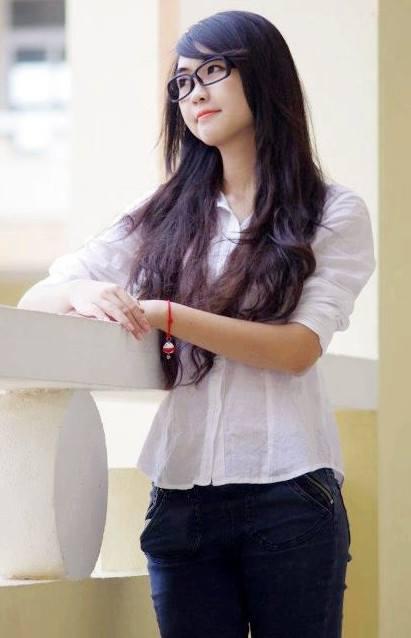 Trọn bộ ảnh nữ sinh 9X xinh đẹp nhất Học viện Hàng không