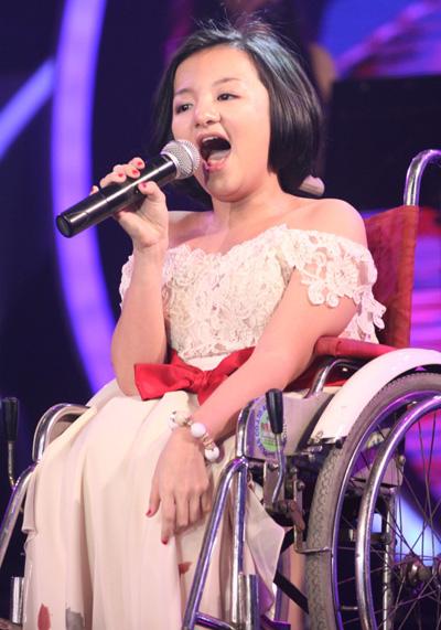 """""""Cô gái xương thủy tinh"""" Nguyễn Phương Anh"""